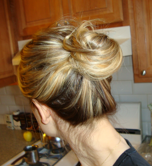 How To Create The Messy Updo Bun Beauty 187 Penelopes Oasis