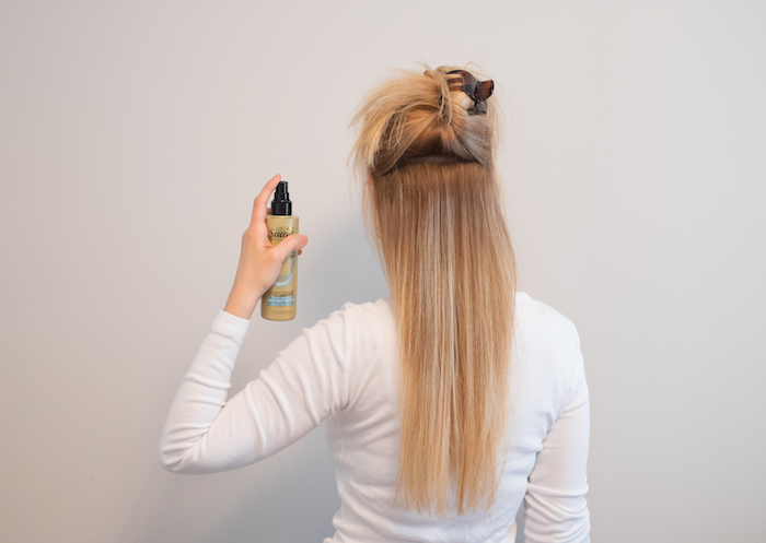 penelope guzman sprays on suave sea salt spray
