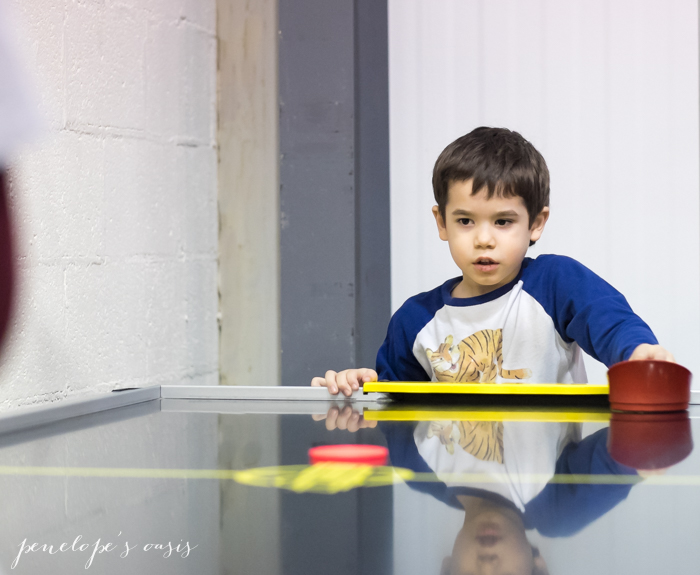 air hockey-2