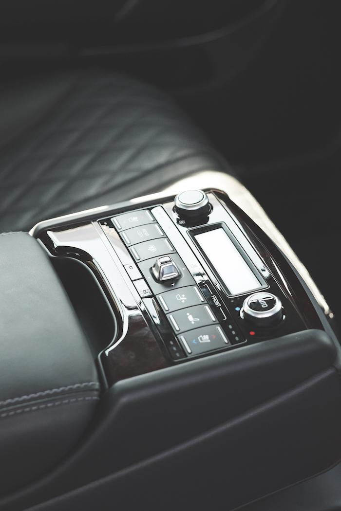 kia k900 interior