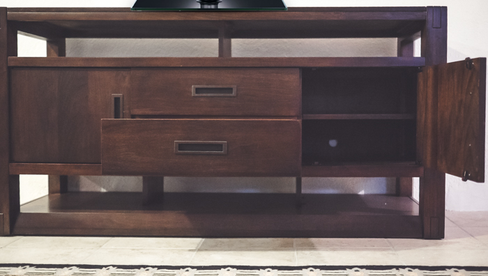 raymour tv console stand