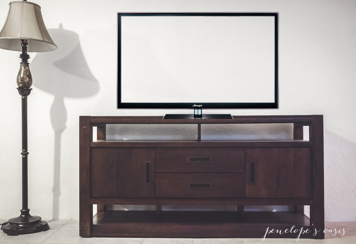 raymour tv console