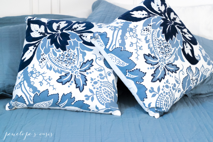 raymour-flanigan-throw-pillows-4