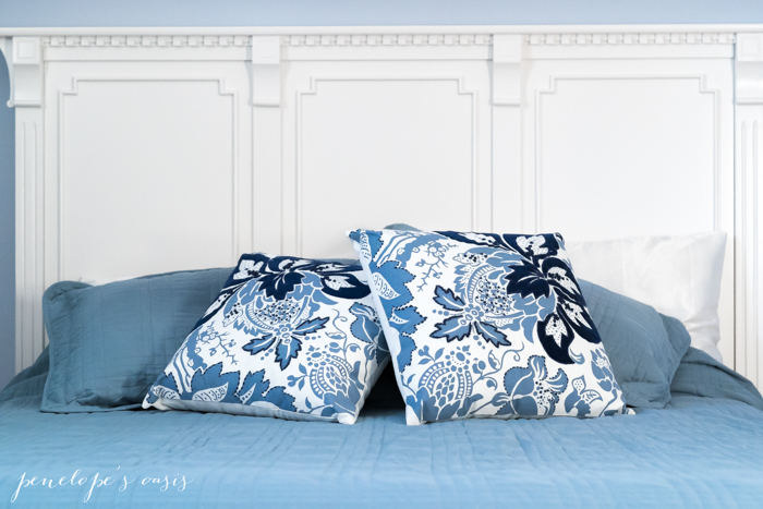 raymour-flanigan-throw-pillows