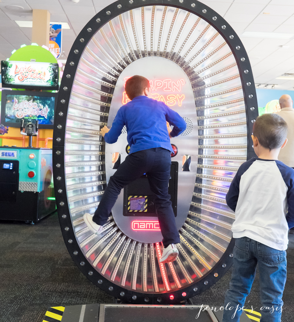 Chuck E Cheese's at 75 Consumers Dr, Whitby, ON L1N 9S2. Great Place for the Kids - worry free August 26, When we are in the area we try to come 4/5(4).