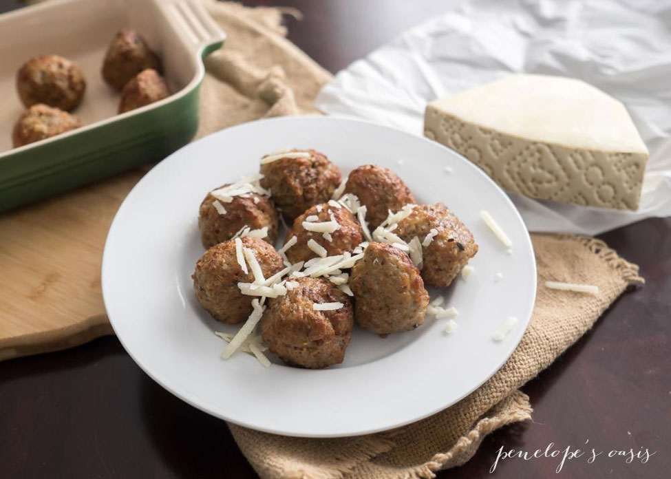 Easy Pecorino Romano Meatballs Recipe » Penelopes Oasis